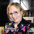 Lucrezia D'Ambrosio: «Quel libro indimenticabile sfogliato dal vento sulla bara di Don Tonino» – VIDEO