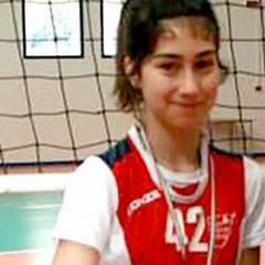 Alessandra Parisi tra le dodici della selezione pugliese di volley
