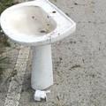 Un lavabo sotto viale dei Lilum: completata la pulizia di Piscina Marina