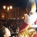 San Nicola e Adeodato sono arrivati a Terlizzi calandosi dalla Torre dell'Orologio. Le FOTO