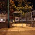 Cancello aperto e incustodito nell'area giochi della Scuola per l'Infanzia di via Sanremo (FOTO)