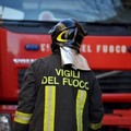 Fiamme all'interno di un ex mobilificio
