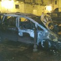 Incendi, atto contemporaneo. A fuoco due Volkswagen Sharan