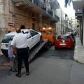 Auto sospetta in via Oratorio di Sovereto, rimossa dalla polizia locale