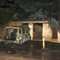Auto a fuoco di fronte a una villa tra Terlizzi e Sovereto