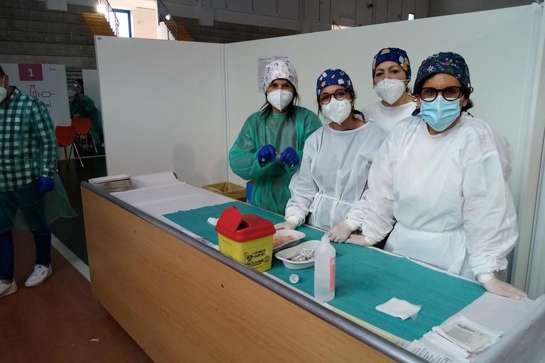 Centro vaccinale Palachicoli Terlizzi maggio. <span>Foto Cosma Cacciapaglia</span>