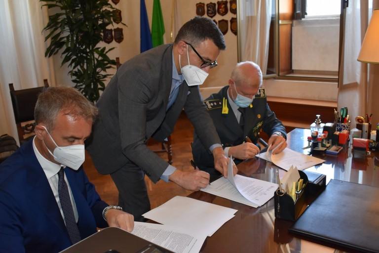 La firma del protocollo tra Procura, Finanza e Agenzia delle Entrate