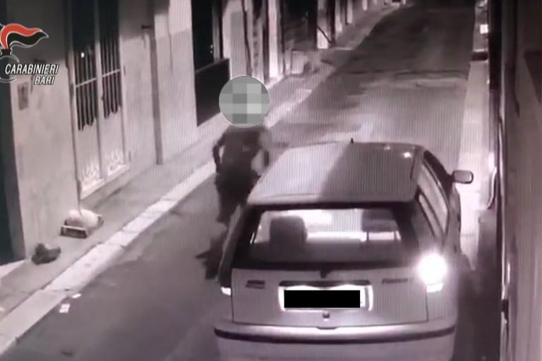 L'incendio della Fiat Punto in via Bernardi