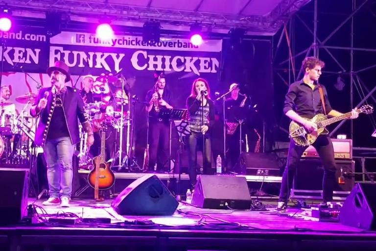 I Funky Chicken stasera a Giovinazzo