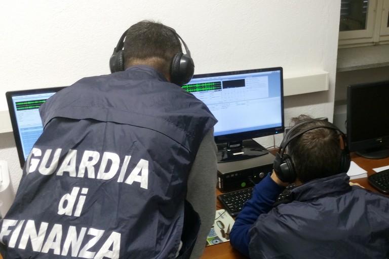 Commercio illegale di file su internet, 8 indagati: uno è di Terlizzi