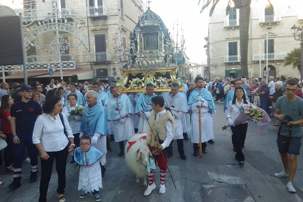 I Vescovi pugliesi danno lo stop alle processioni per le feste patronali