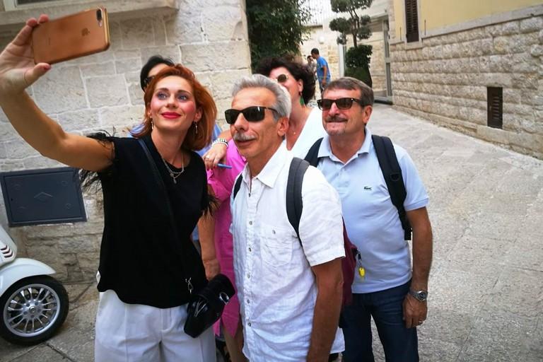 Selfie con Giovanni e Giacomo. <span>Foto Cosma Cacciapaglia</span>