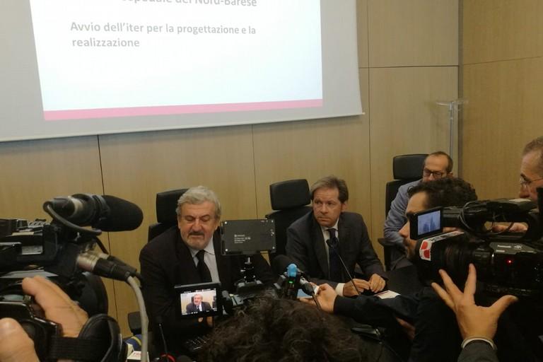 Michele Emiliano in conferenza stampa