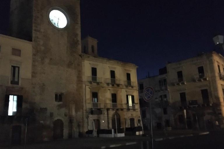 Piazza Cavour al buio