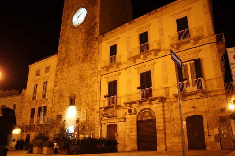 piazza cavour - torre dell'orologio