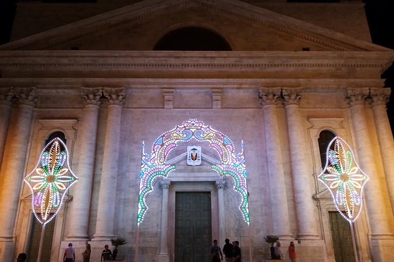 Luminarie Festa Maggiore. <span>Foto Cosma Cacciapaglia</span>