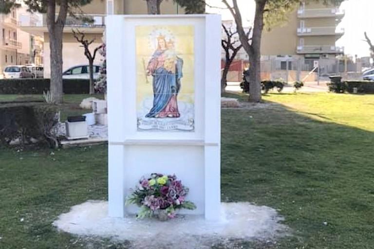 icona sacra con Madonna