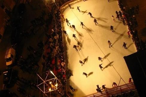 Pista di pattinaggio su ghiaccio. <span>Foto Cosma Cacciapaglia</span>
