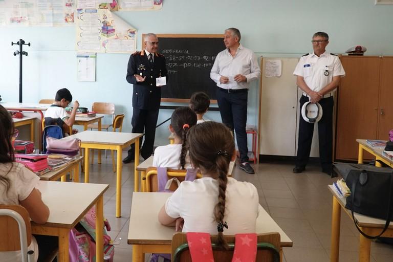 La polizia municipale nelle scuole per fare educazione ambientale
