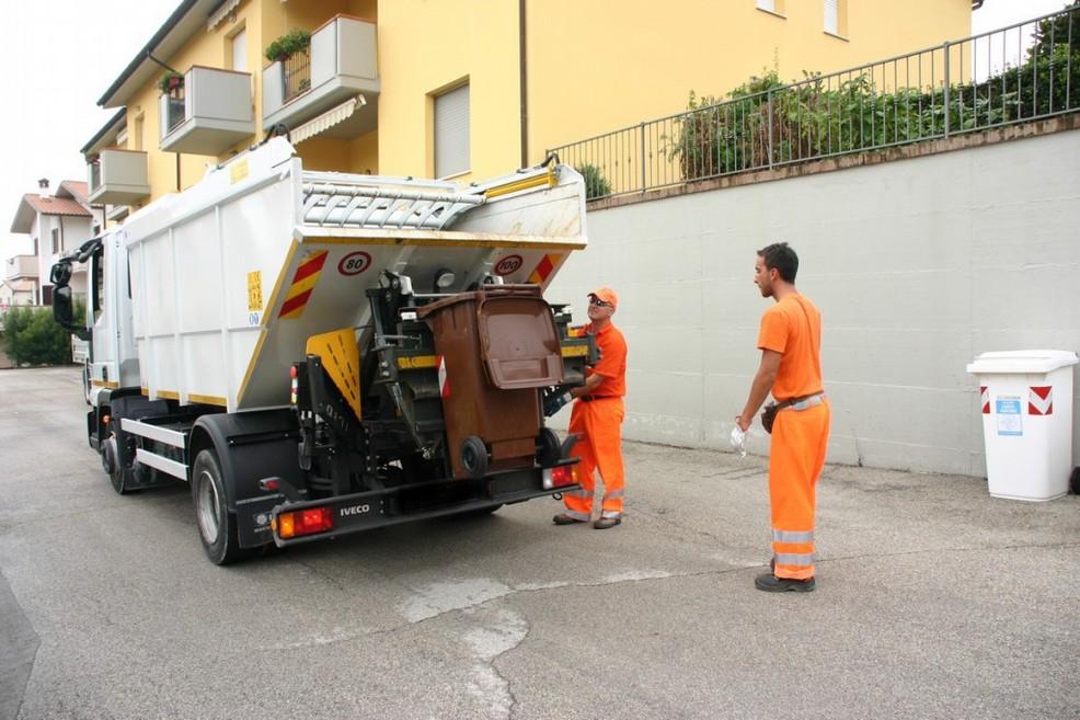 La raccolta dei rifiuti a Terlizzi