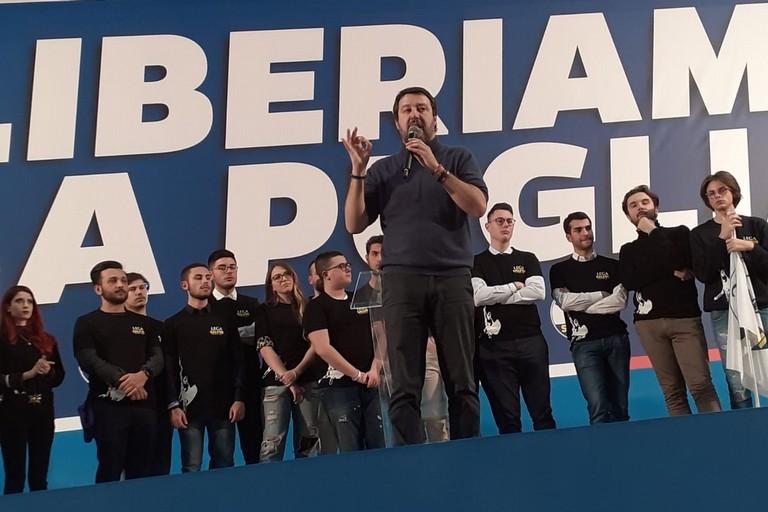 Salvini sul palco in Fiera