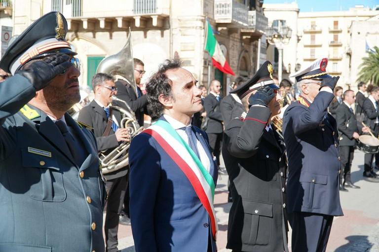 Le autorità alla manifestazione del 4 novembre. <span>Foto Ufficio Stampa Comune di Terlizzi</span>