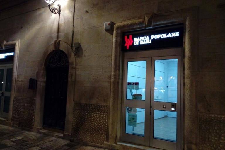 In due con borsoni e spranga: rapina oggi pomeriggio alla Banca Popolare di Bari